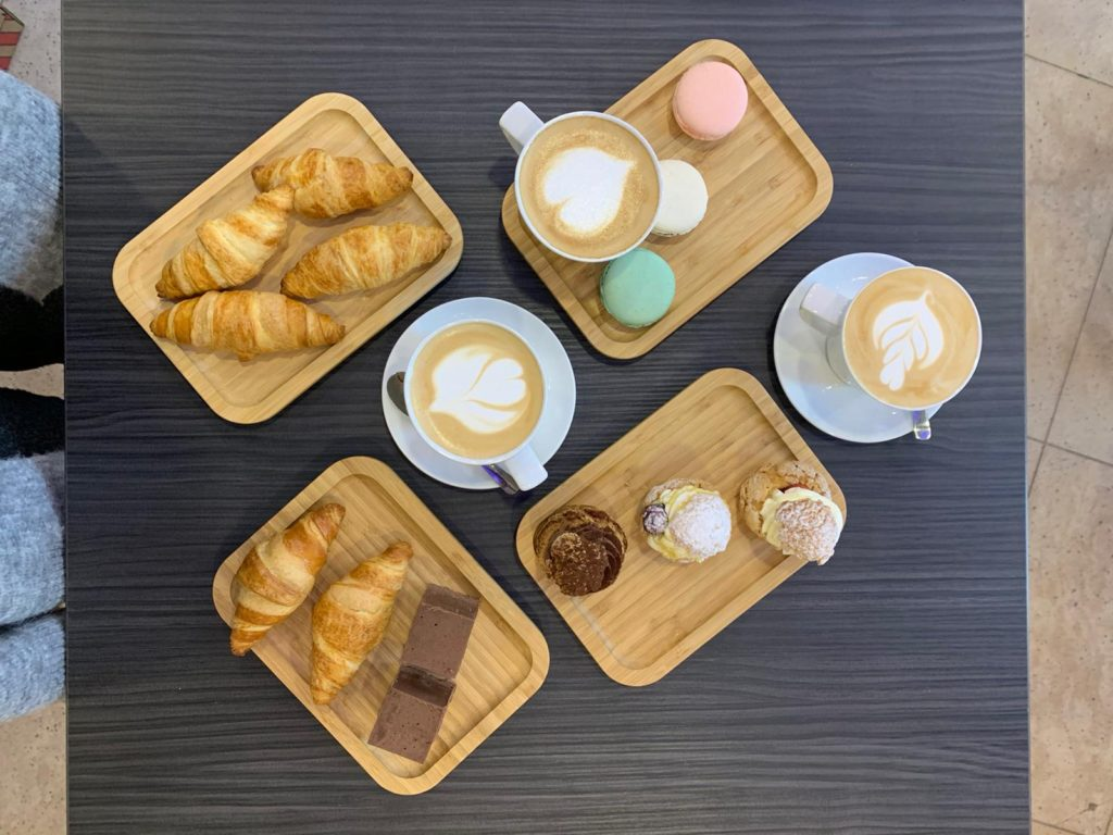 Cafenea Victoriei sector 1 - U Cafe - Coffee to stay, coffee to go, patiserie, dulciuri, macarons, cappuccino
