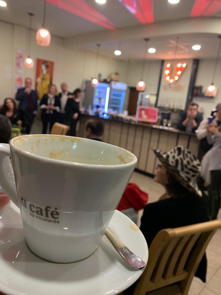 Cafenea Victoriei sector 1 - eveniment U CAFE & U Art Gallery - Cafea, arta si pian, specialitate indiana